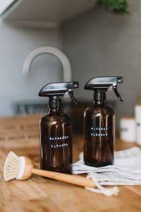 Nettoyer la cuisine et la salle de bain
